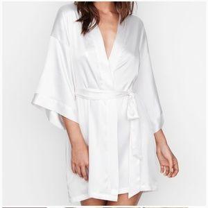 New Victoria Secret Satin Robe